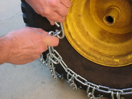 4Tire_chain_inside_hook.JPG