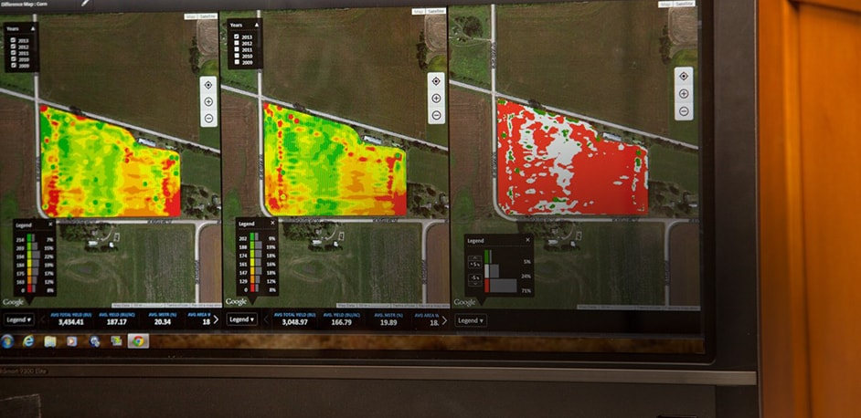 Field analyzer map linking to video about MyJohnDeere Operations
