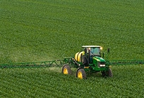John Deere Sprayers treats a field