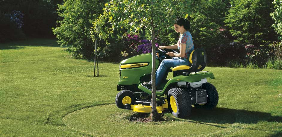 X300 series lawn tractor from John Deere