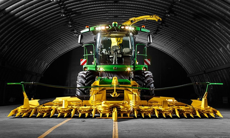 John Deere 8000 Series Self Propelled Forage Harvesters