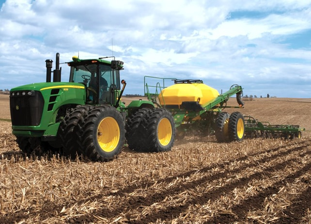 2510S Strip-Till Medium Residue Applicator Nutrient Applicators