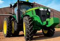 7R Series tractor with focus on the tires