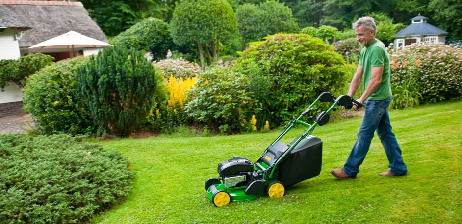 Walk Behind Mowers & Scarifiers