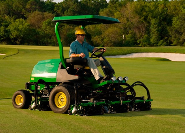 8700 PrecisionCut™ Fairway Mowers
