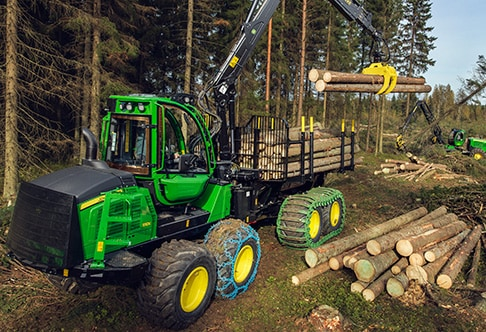 1110E Forwarder loading logs