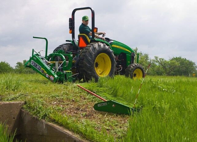 SB31 Series Sickle Bar Mower in a field