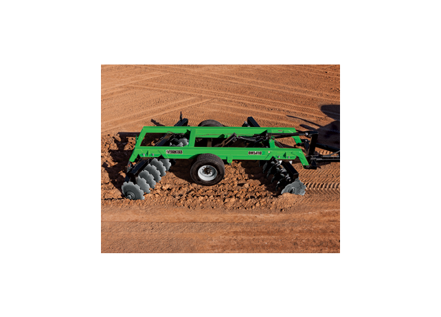 DH54 Series Offset Disks tilling a field