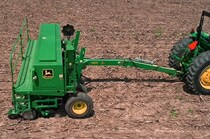 1570 Coulter Cart Conventional-Till Drill Series