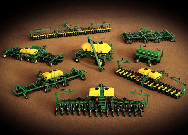 1770NT CCS 24Row30 Drawn Planter