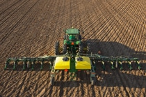 18Row38 Custom-Built Integral Planter