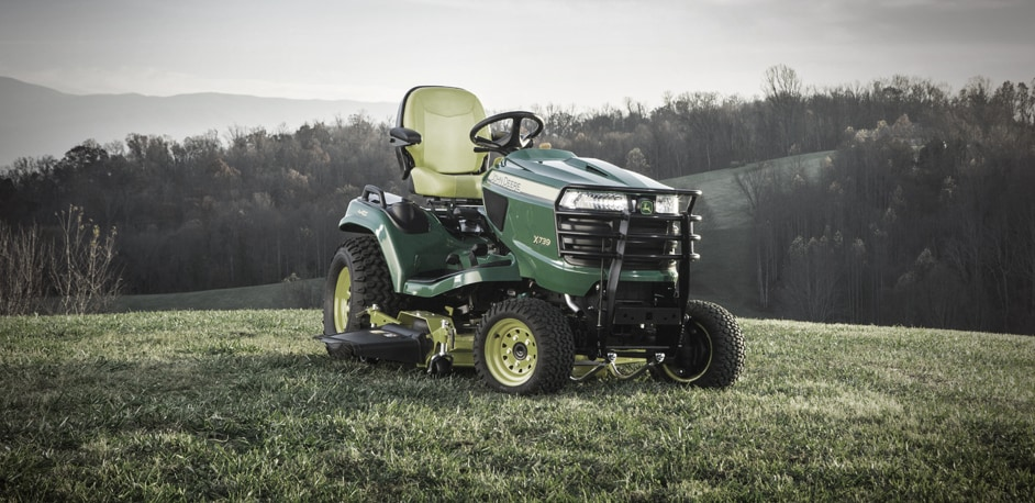 The X739 Signature Series Tractor