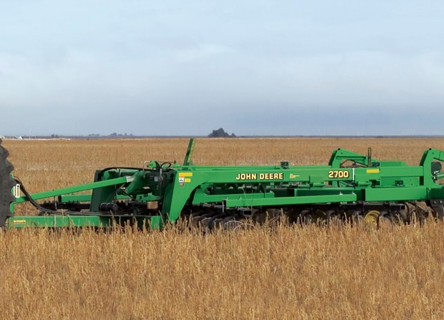 2700 Mulch Ripper Primary Tillage
