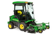 Studio image of 1585 front mower