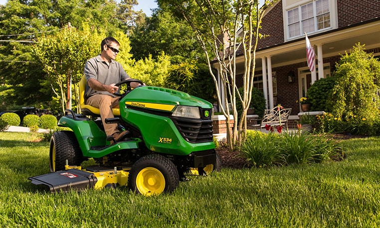 View $500 offer for 2015 Select Series tractors.