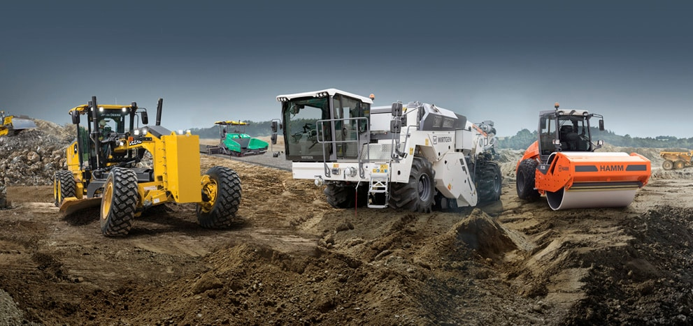 Composite image of a John Deere motor grader, dozer, and ADT as well as a Hamm roller, Wirtgen soil stabilizer and recycler, and Vögele paver.