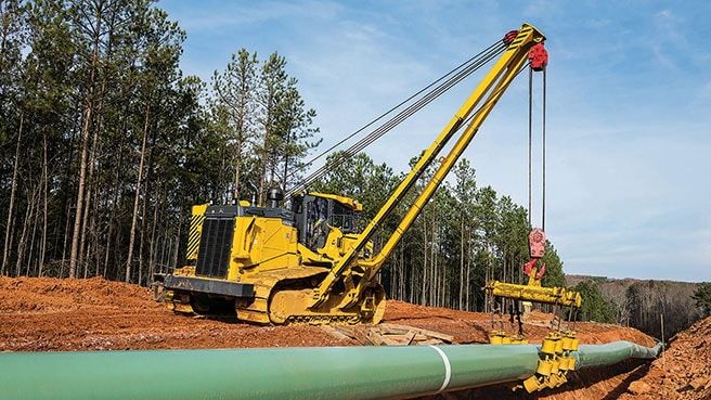 1050K Pipelayer in use on work site