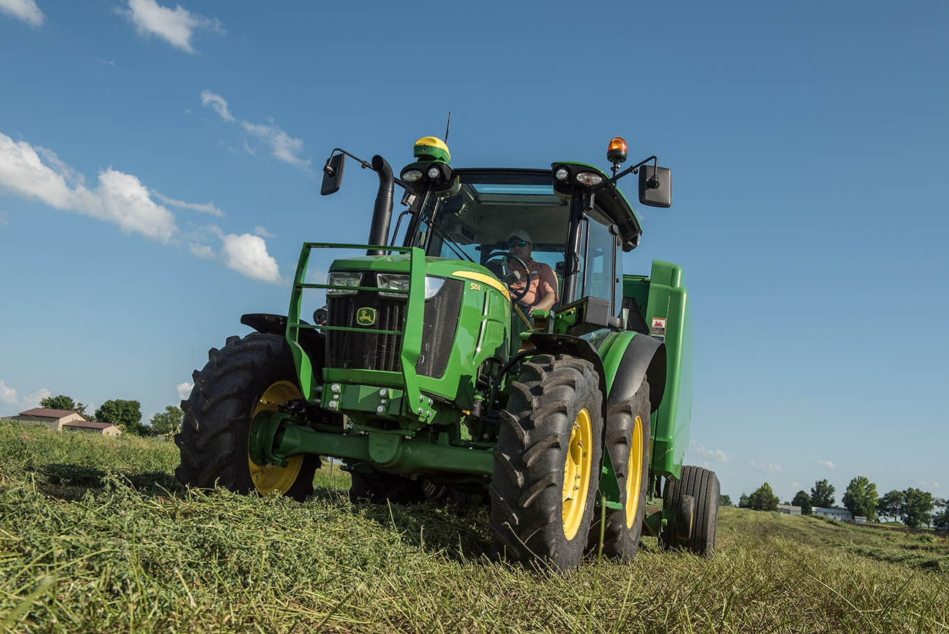 Deere announces MY 19 Updates for 5R Utility Tractors