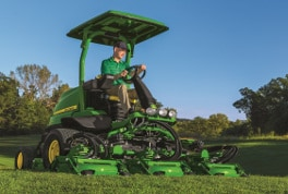 John Deere Golf Product Wins AE50 Award