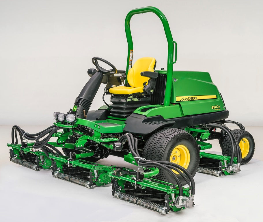 John Deere 8900A PrecisionCut Large Area Reel Mower