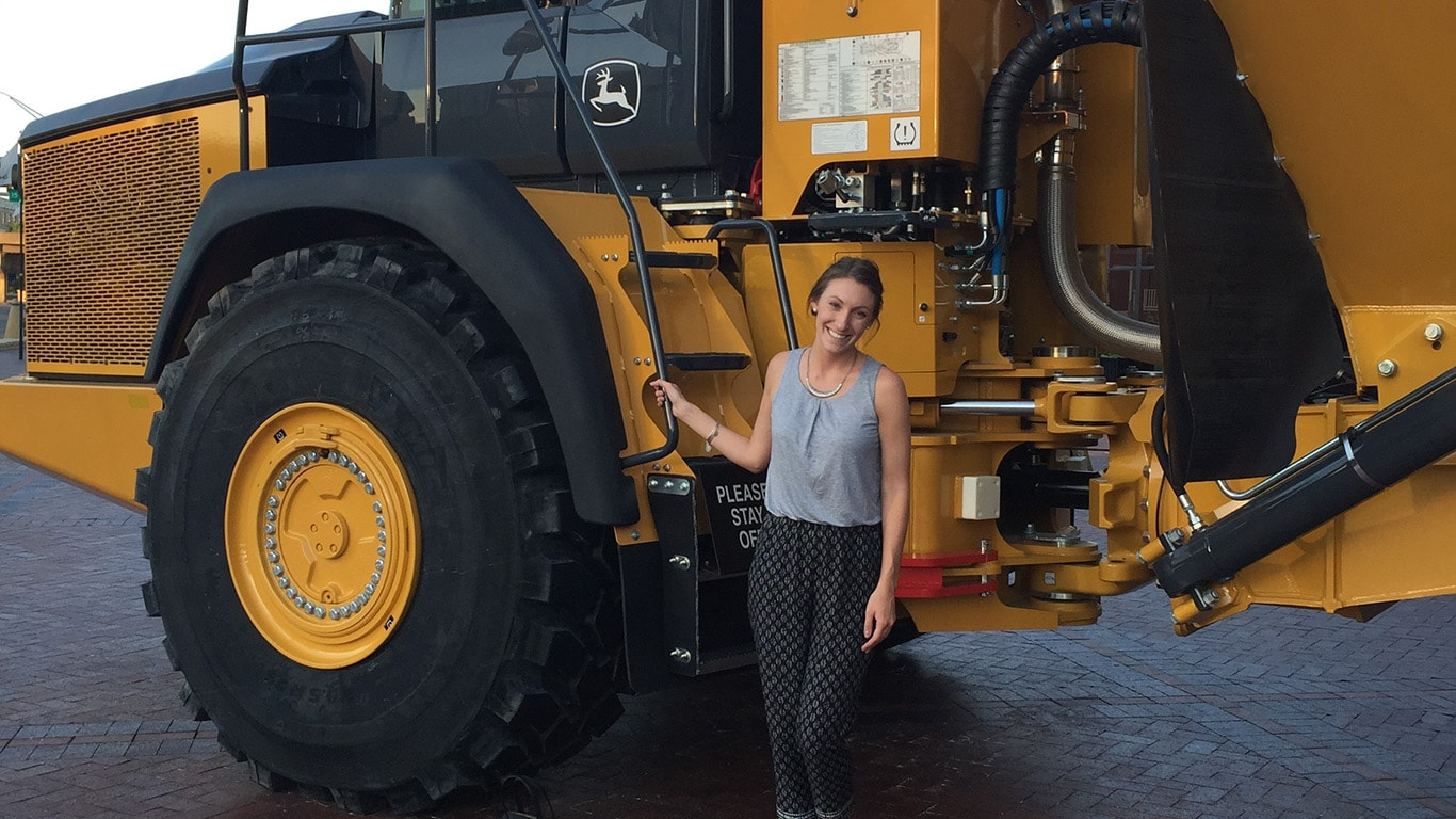 Internships and Part-Time Students | Careers | John Deere US