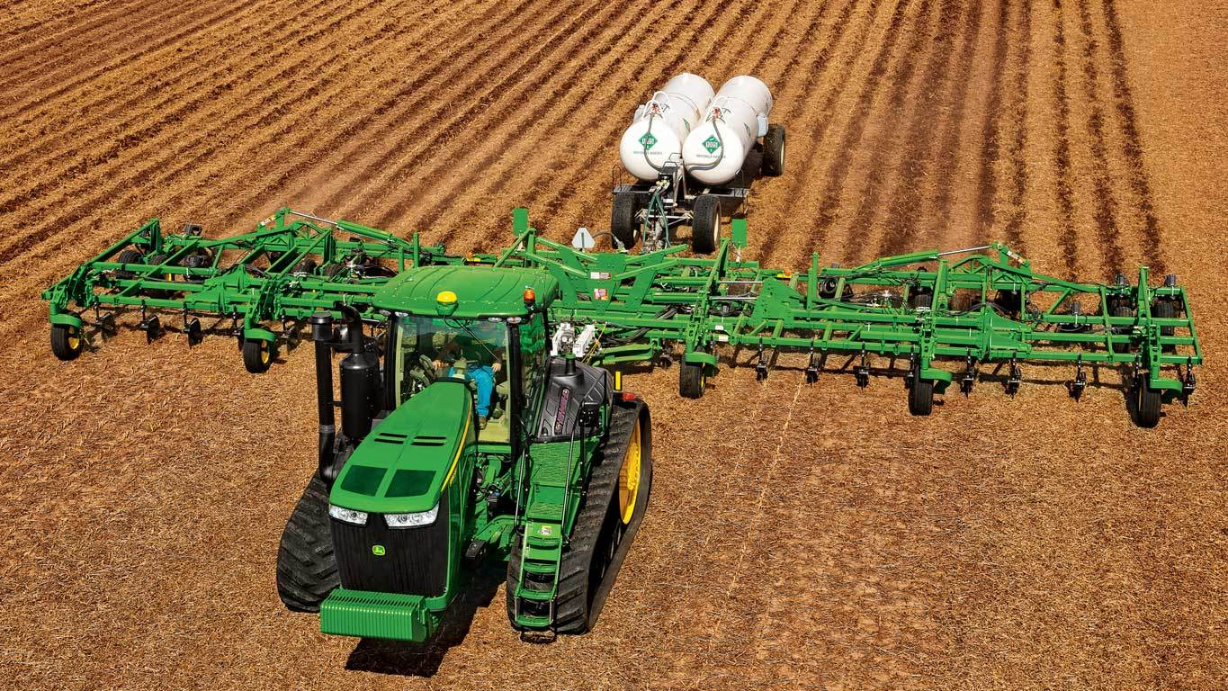 Field image of the 2410C Nutrient Applicator