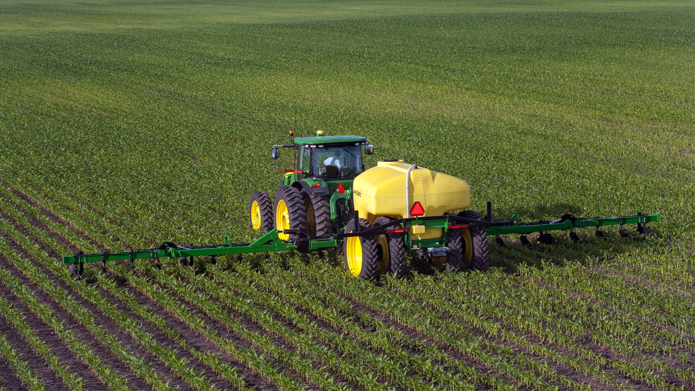 Field image of the 2510L Nutrient Applicator