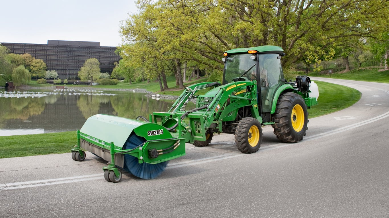 From bale handling to debris cleanup to snow removal and more, find the  size, strength, and affordability you need with Frontier™.