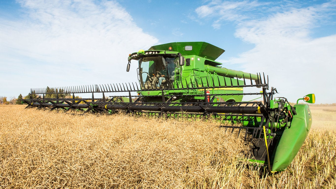 Field image of S780 Combine