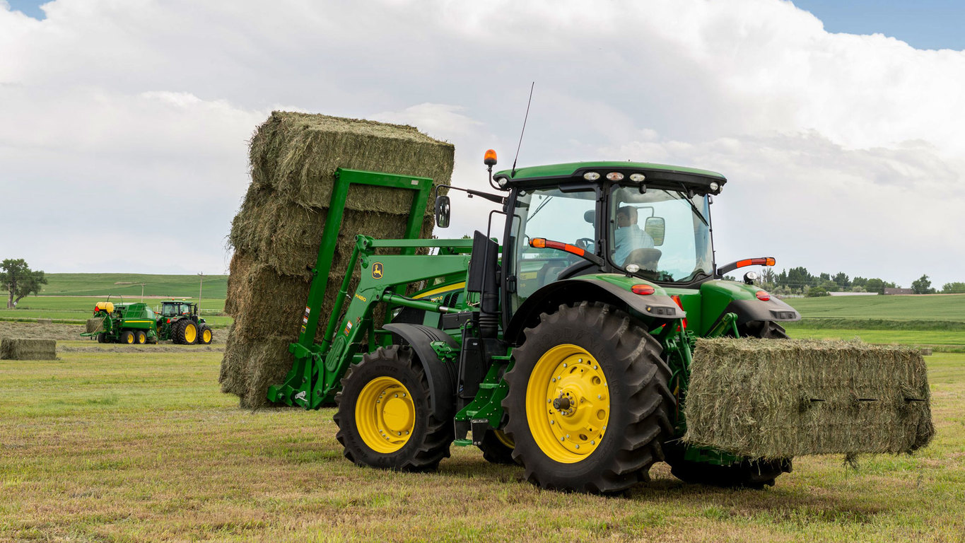 field image of Frontier™ AB18K large square bale spear attached to a tractor