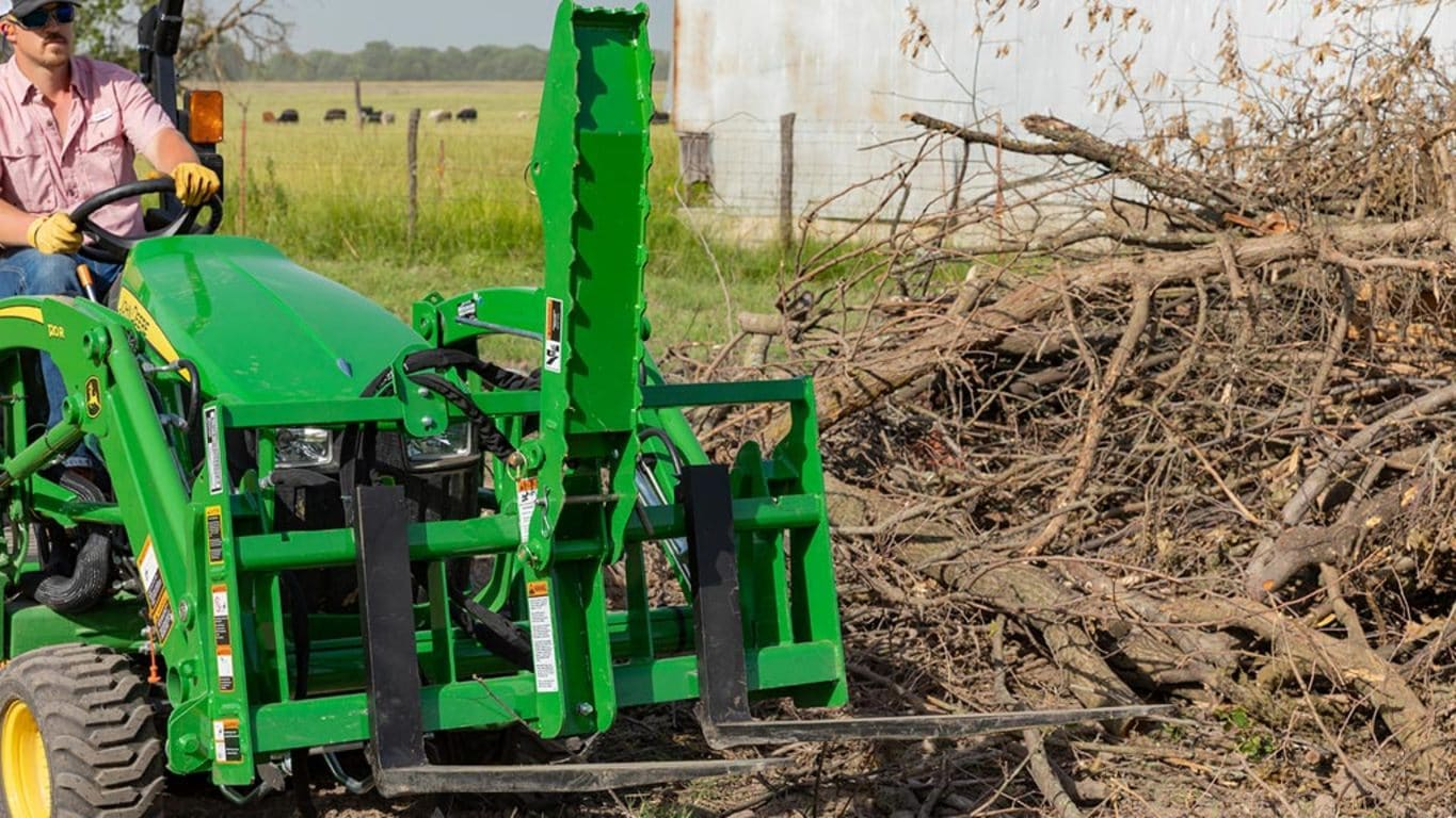 field image of Frontier PG11 pallet grapple
