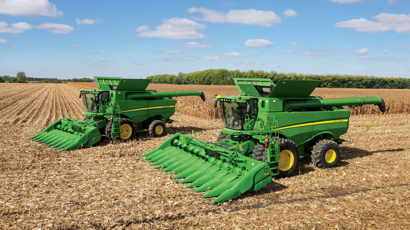 700 series family of cornheads in field