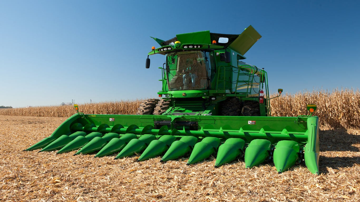 image of 712c corn head platform in field