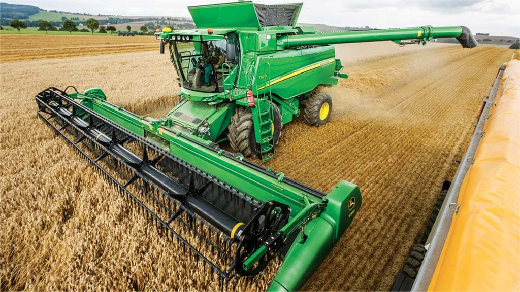 https://www.deere.com/assets/images/region-4/products/harvesting/tseries-combine-r2C001197-1024x576.jpg