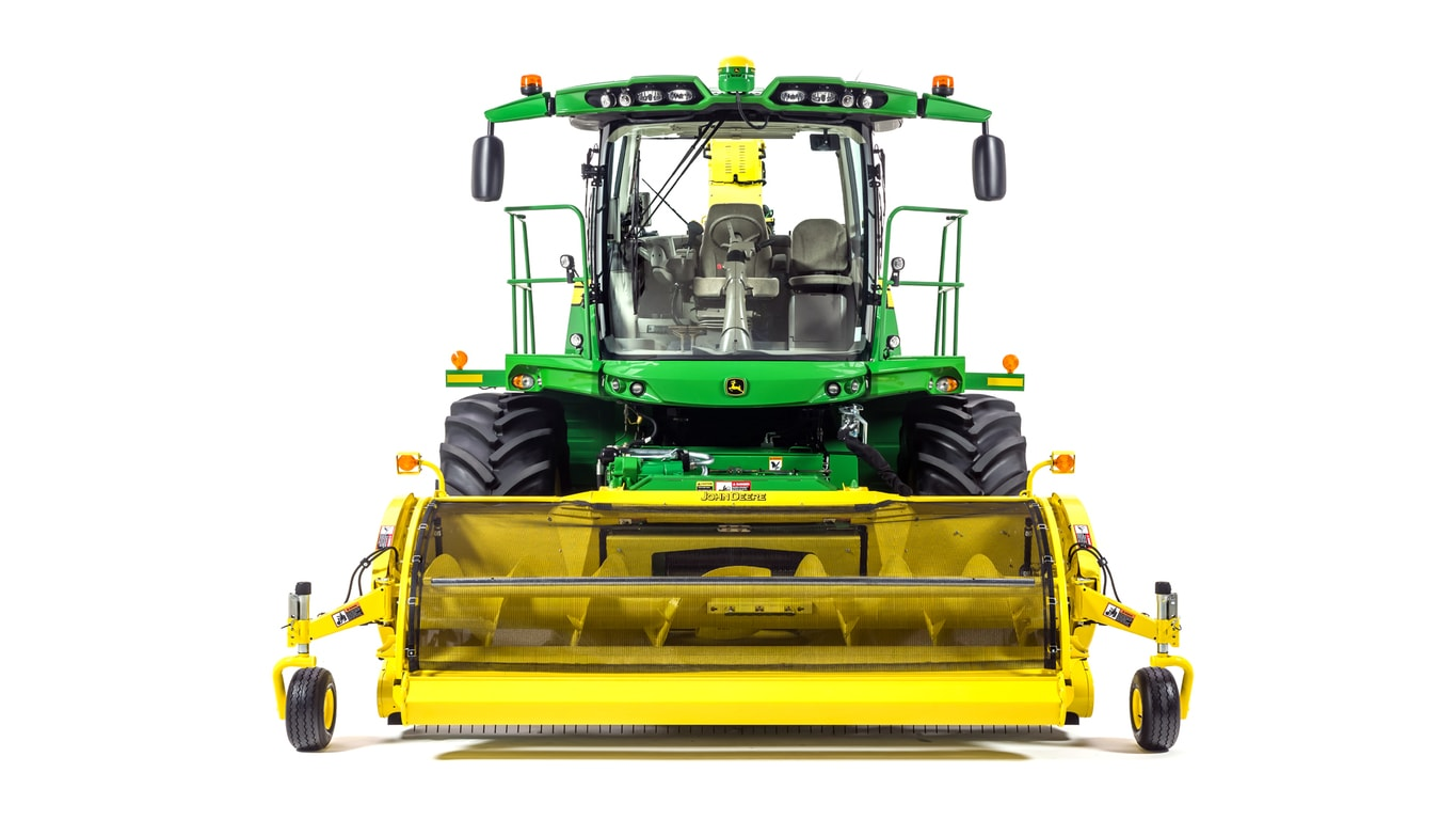 Studio image of 8500 Self-Propelled Forage Harvester