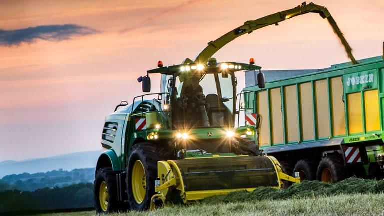 Big B Equipment - 639 639 Hay Pickup