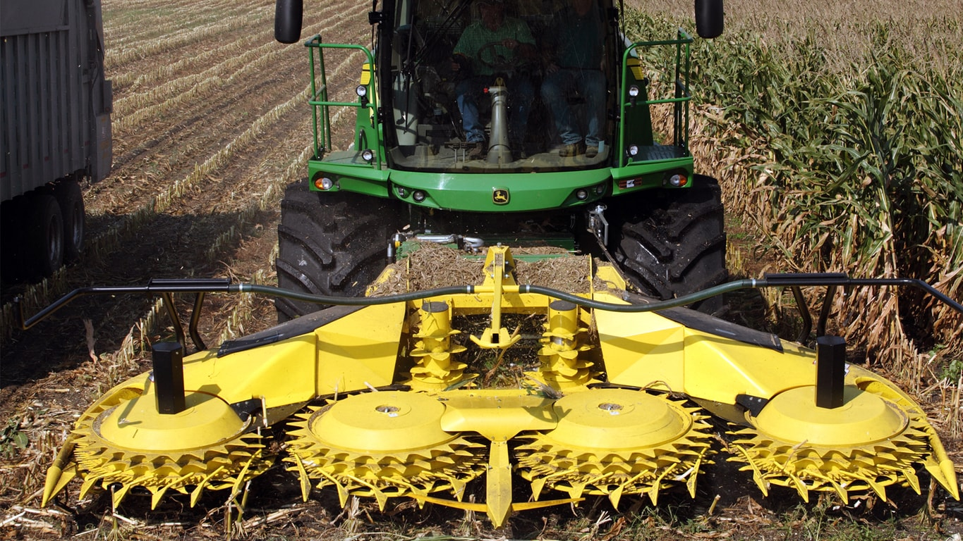 Field image of 778 rotary harvesting unit