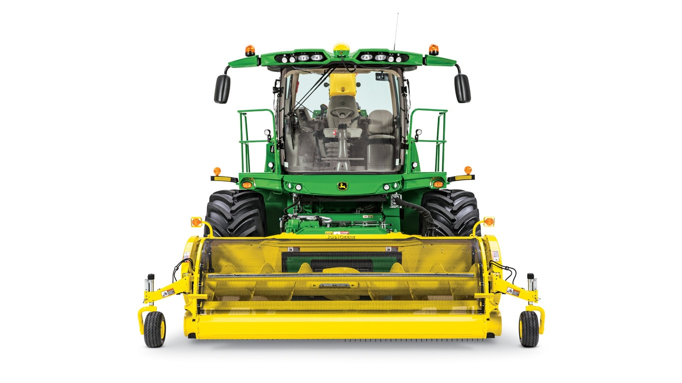 studio image of 9600 self-propelled forage harvester.