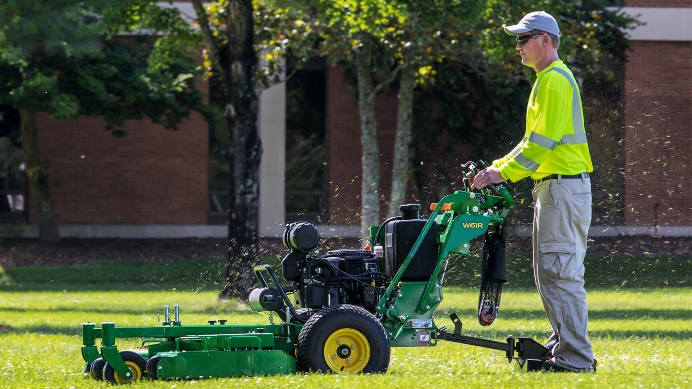 Stand Behind Lawn Mower >> Commercial Walk Behind Mowers Lawn Mowers John Deere Us