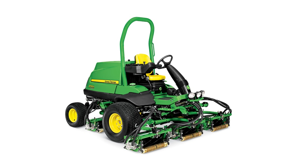 8700A Precisioncut fairway mower photo