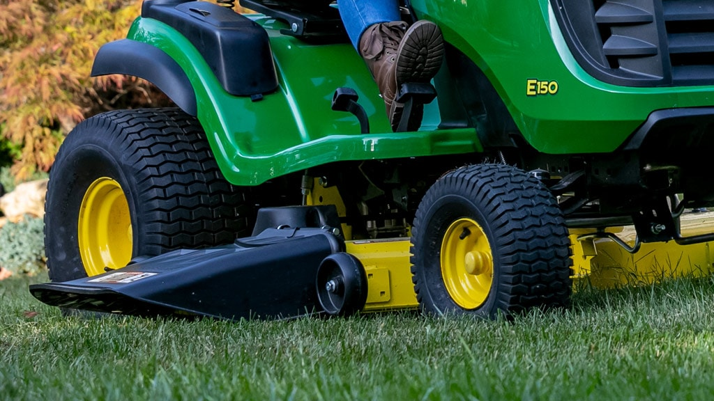 close up of mower deck
