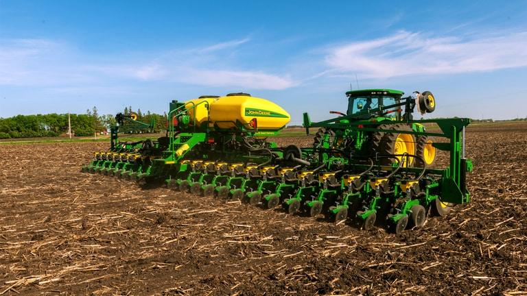 DB44 24Row22 Planter