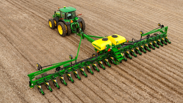 Field image of DB60 24Row30 Planter