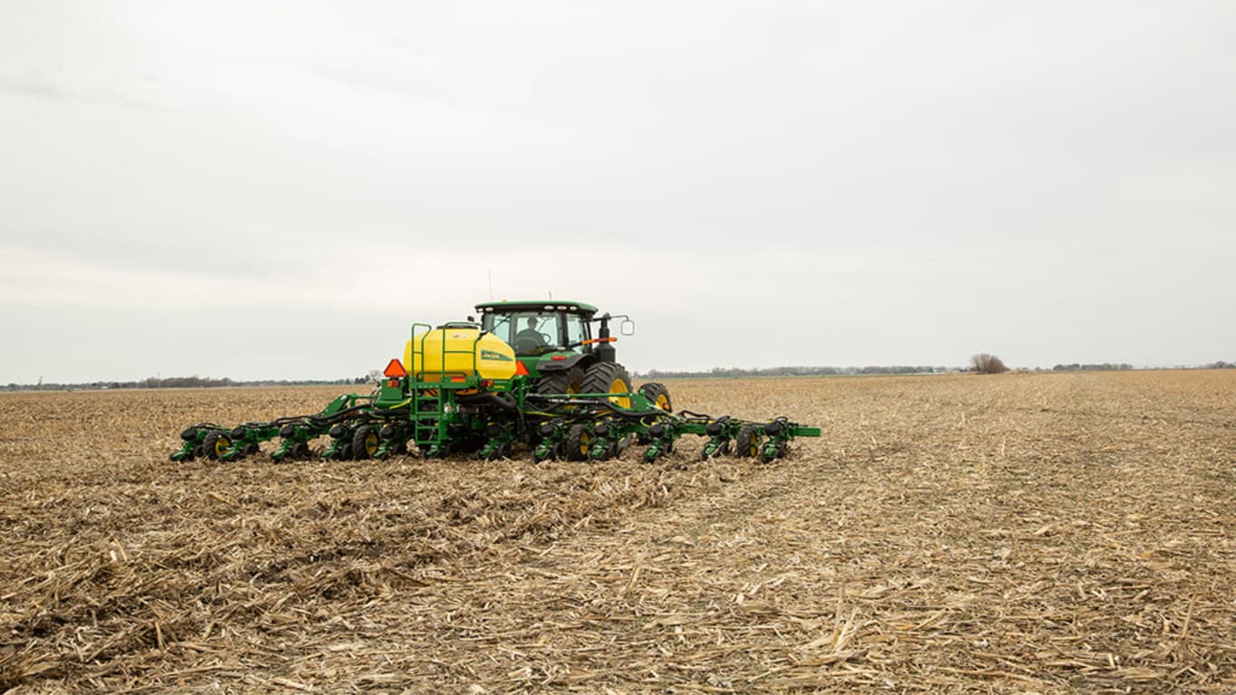 Field image of DR12 Planter