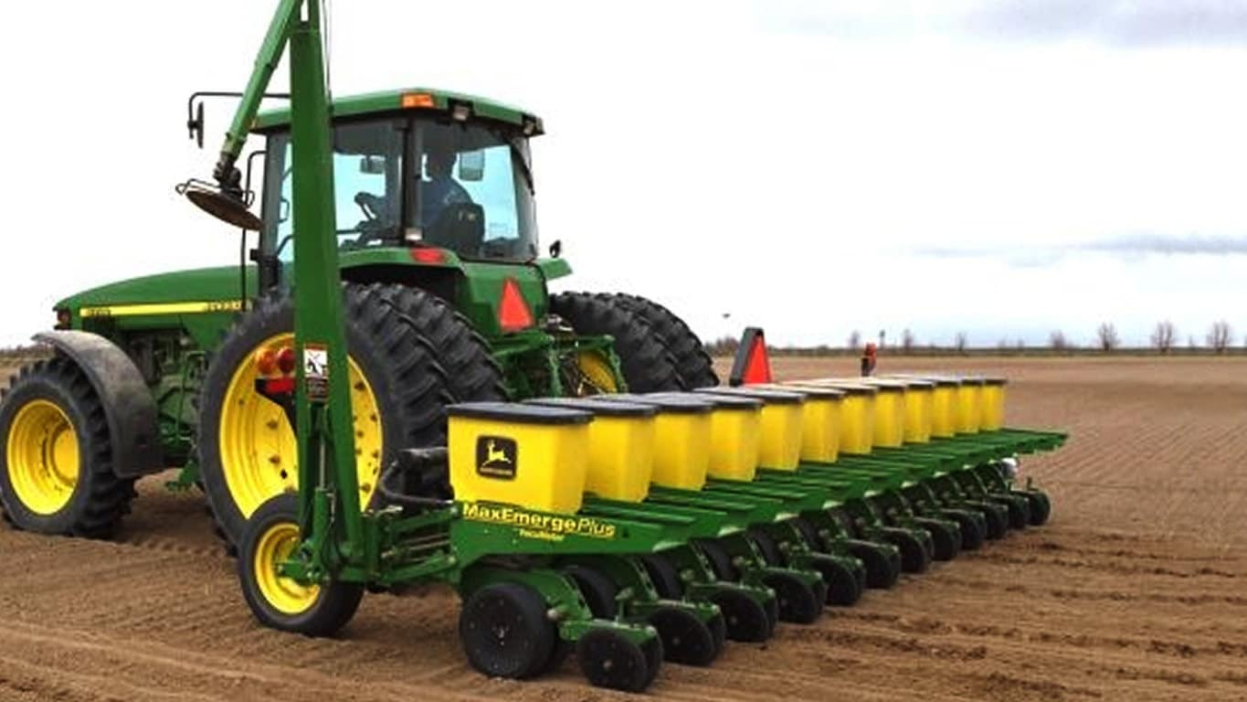 Field image of 1735 Integral Planter