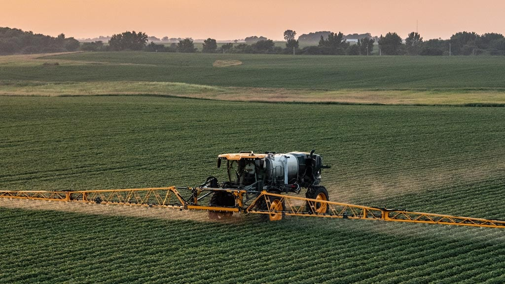 hagie sprayer in the field