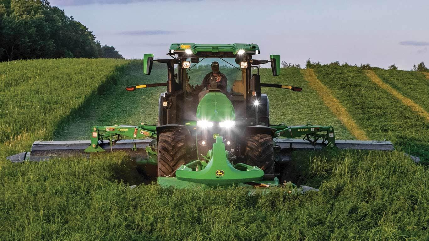 field image of 7r 330 Row Crop Tractor