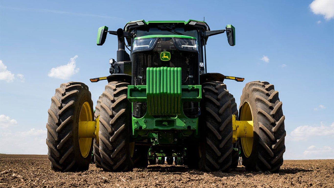 Field image of 8R 280 4WD Tractor