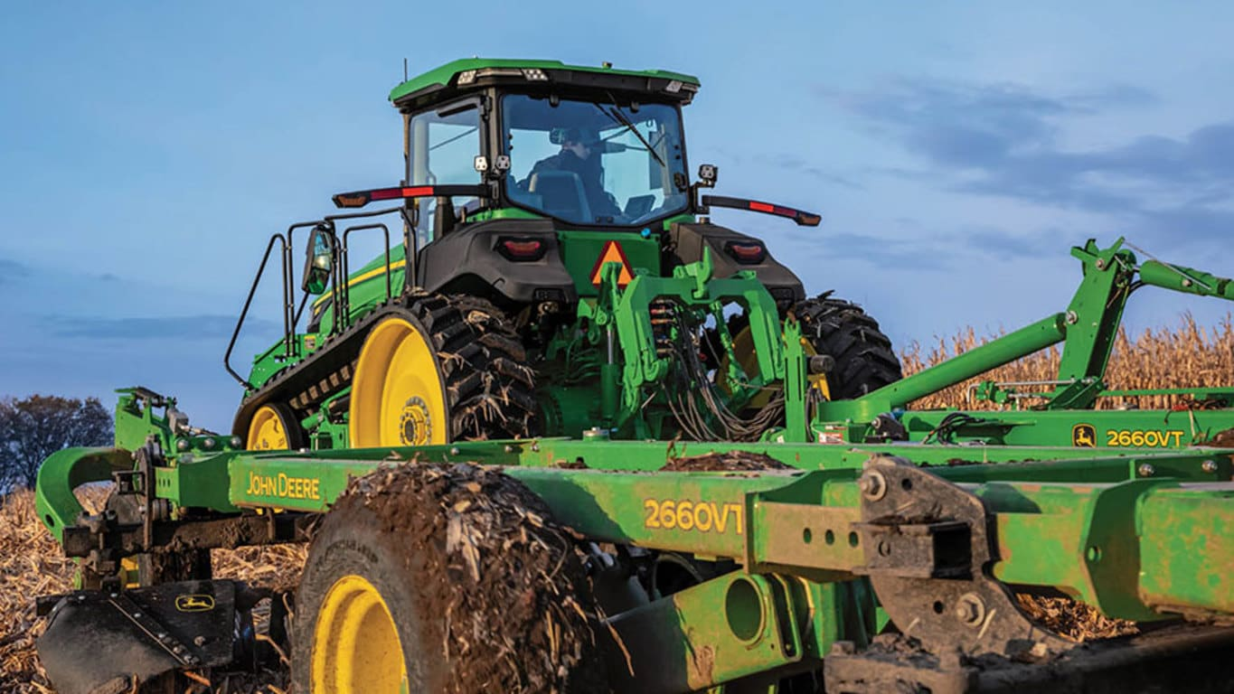 Field image of 8RT 340 4WD Track Tractor