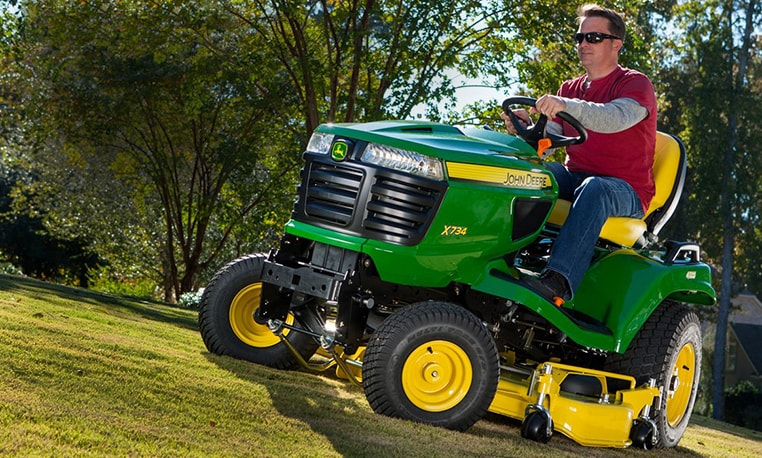View savings offer for 2015 X700 Signature Series Tractors.